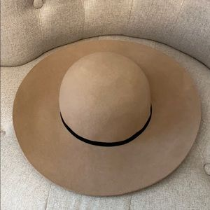 Express floppy hat